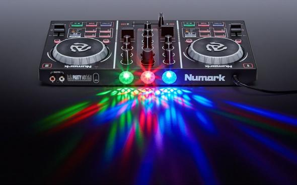 Numark Party Mix DJ: 3