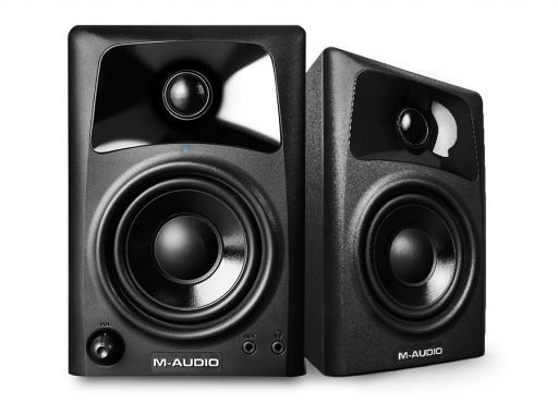 M-Audio AV32: 1