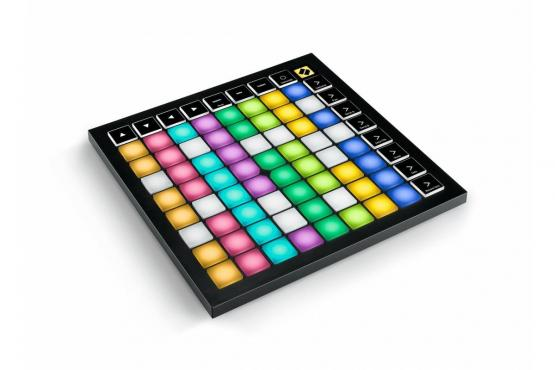 Novation Launchpad X MIDI: 2