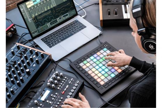 Novation Launchpad Pro MK3 MIDI: 4