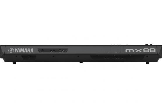 Yamaha MX88: 3